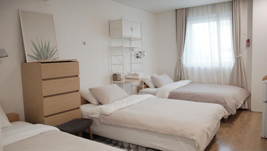 Upflo Hostel, Seocho
