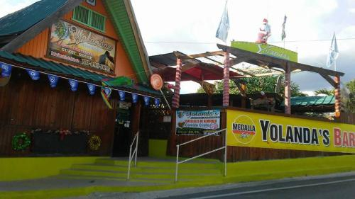 Yolandas Bar & Grill Restaurant-Guesthouse,