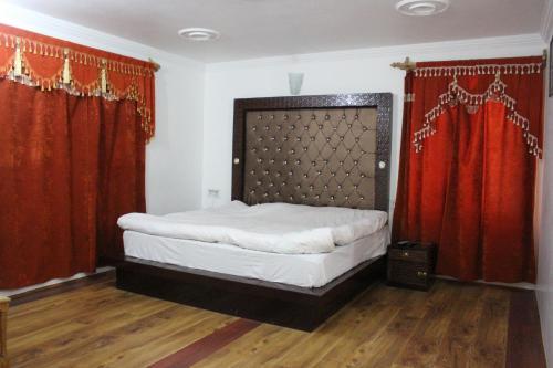 Hotel Highlands, Anantnag