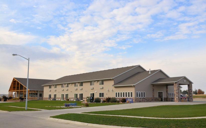 Boulders Inn & Suites by Cobblestone Hotels – Lake View, Sac