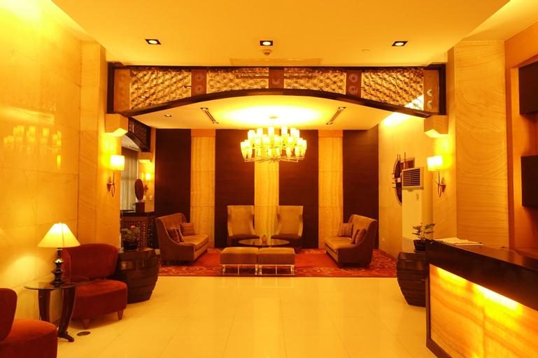 Luxury Condo at Forbeswood Parklane, Makati City