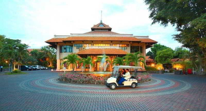 Equator Hotel, Surabaya