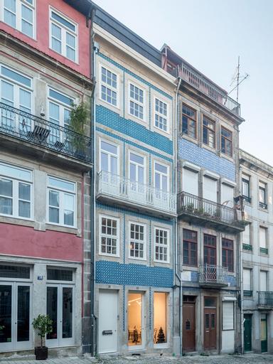 Domum 2, Porto