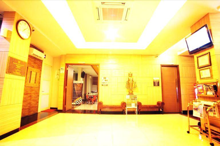 Avira Hotel Panakkukang - Makassar, Makassar
