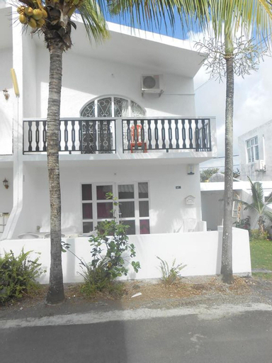 House With 2 Bedrooms in Pereybere, With Shared Pool, Enclosed Garden and Wifi - 1 km From the Beach,