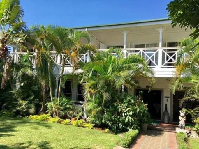 Waterfront Lodge,