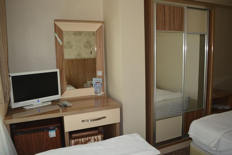 Yildirim Hotel, Şultan Koçhisar