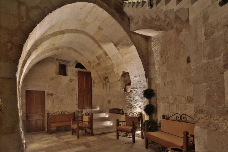 Aren Cave Hotel, Merkez