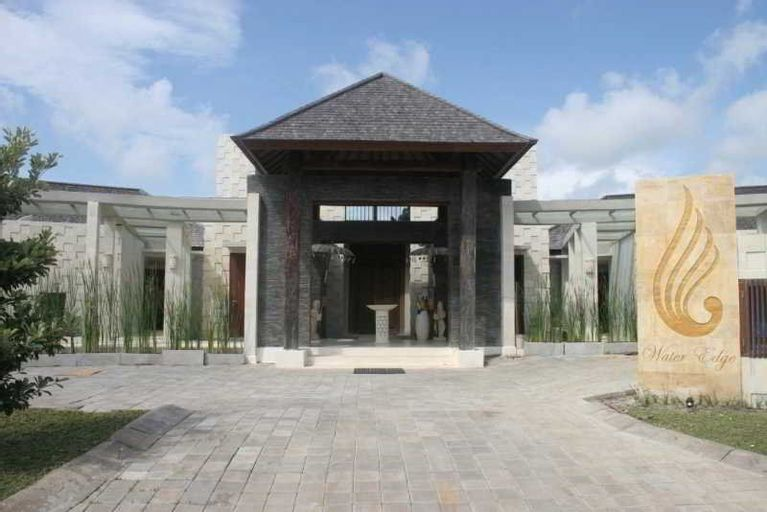 Water Edge Villa by soscomma, Badung