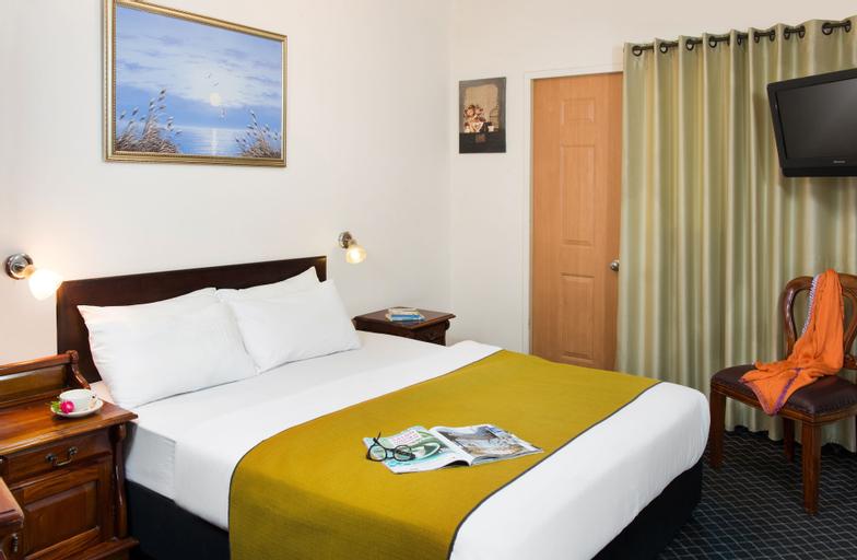 Sun City Hotel,