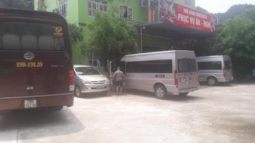 Nha Hang Tung Bach Ninh Binh, Hoa Lư