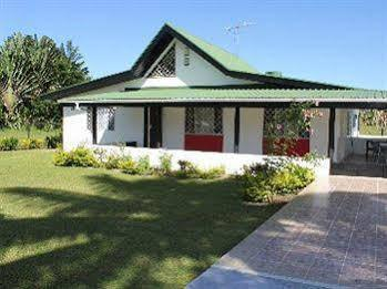 Dream Private Villa, Serua