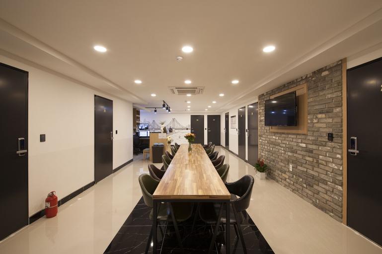Cioharu Guesthouse, Suyeong