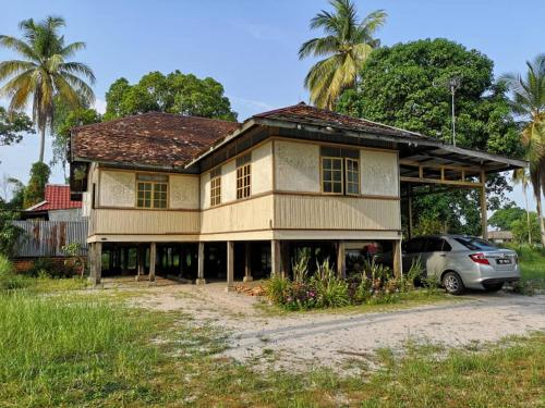 Traditional Vacation Home, Besut