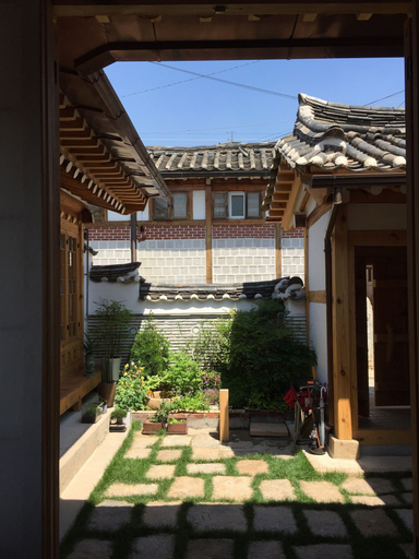 Mon Oncle a Seoul, Seongbuk