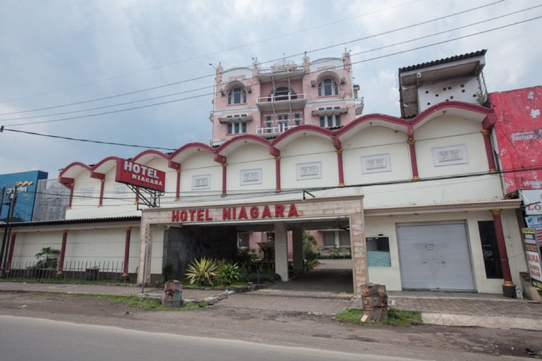 RedDoorz @ Lawang, Malang