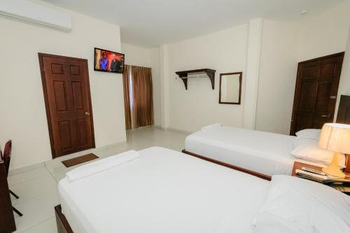 Hotel Mediterraneo Inn, Santa Rosa de Lima