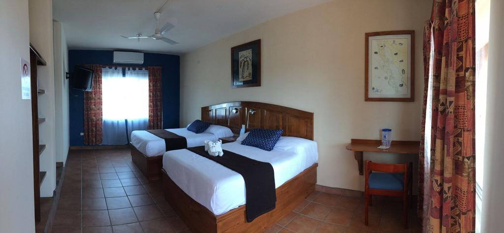 Hotel Angra, Comondú