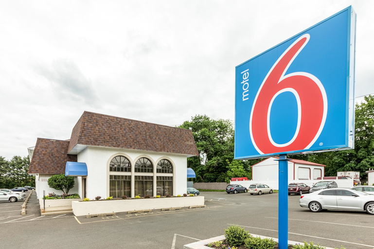 Motel 6 Warminster, PA, Bucks