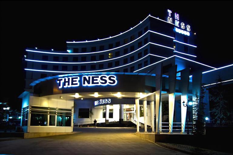 The Ness Thermal Spa Hotel, Merkez