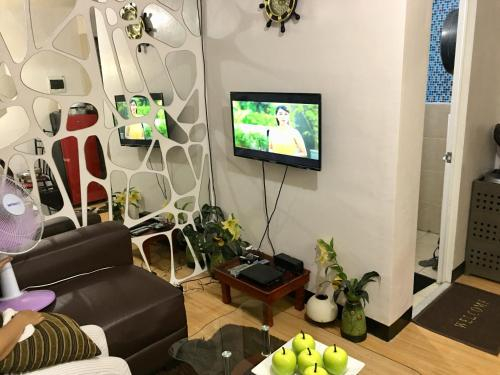 RomAnn's fully furnished Condo Hotel, Imus