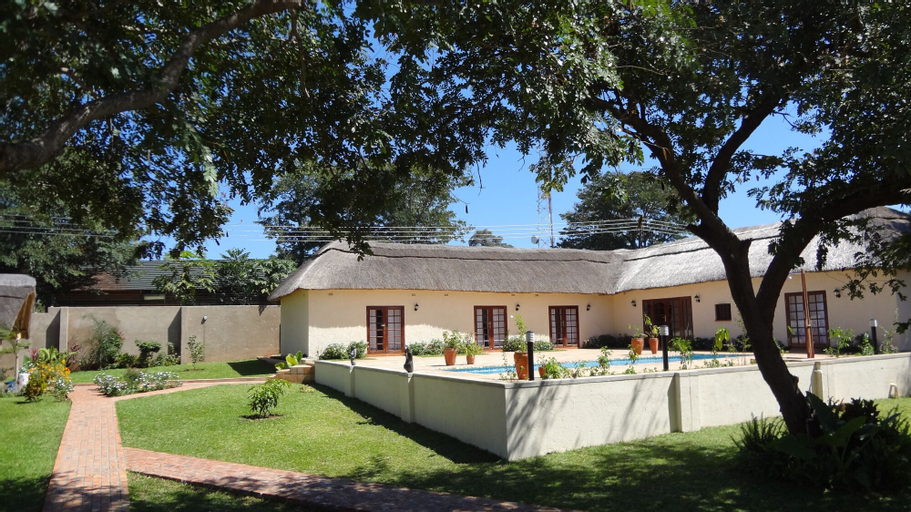 Mandebele Lodge, Hwange
