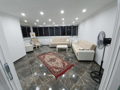 Kosekadam Apartment, Devrek
