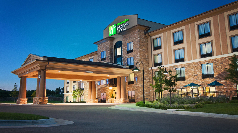 Holiday Inn Express & Suites Wichita Northeast, Sedgwick