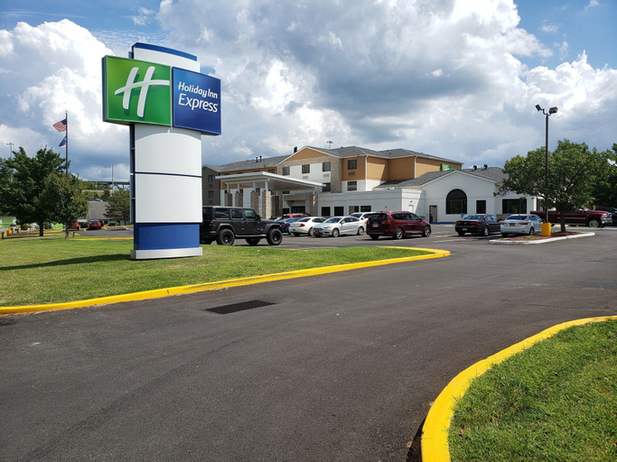 Holiday Inn Express Hotel Pittsburgh-North/Harmarville, Allegheny