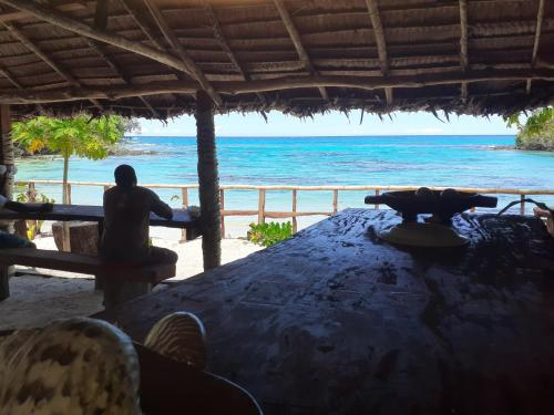 Island reef bungalow, East Santo