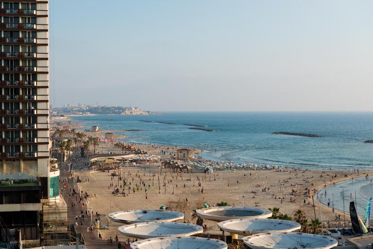 Leonardo Art Tel Aviv By the Beach,