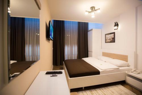 Hotel Apollonia 91, Đakovica