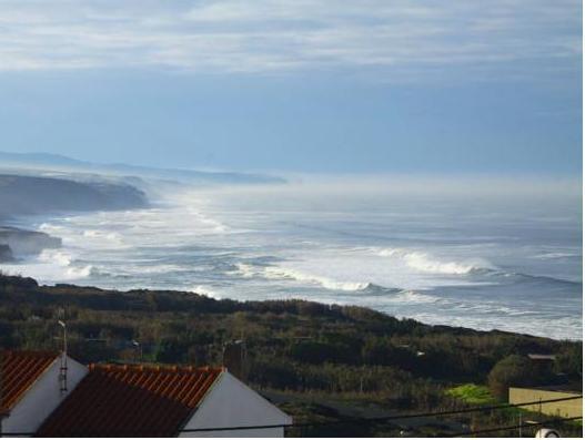 Chill in Ericeira Surf House, Mafra