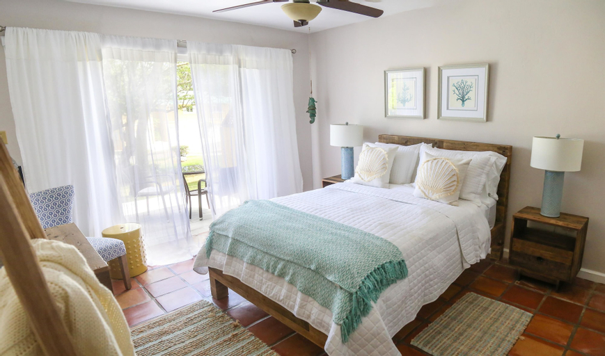 Villa Montana Beach Resort,
