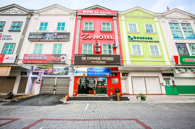 OYO 89332 DE Hotel, Hilir Perak