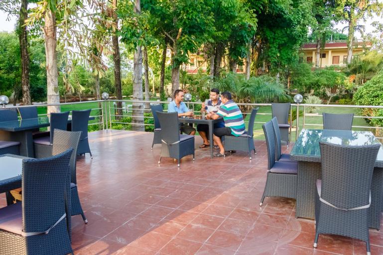 Hotel Rainforest, Narayani