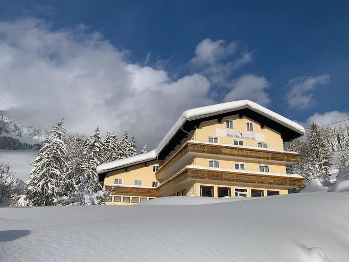 Hotel Kronenhirsch, Hallein