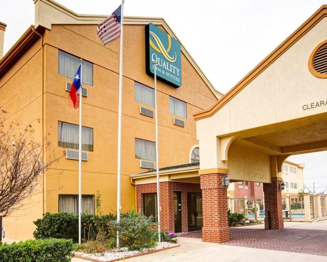 Quality Inn & Suites, McLennan