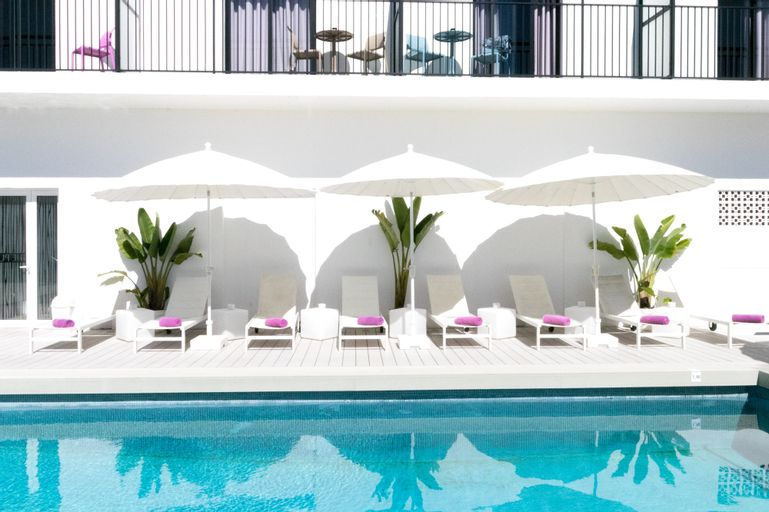 The Purple Hotel by Ibiza Feeling - Caters to Gays - Adults only, Baleares