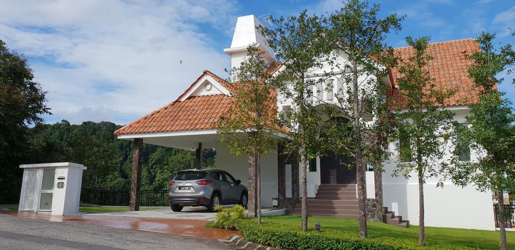 Hilltop Villa One (Penang) By Plush, Pulau Penang