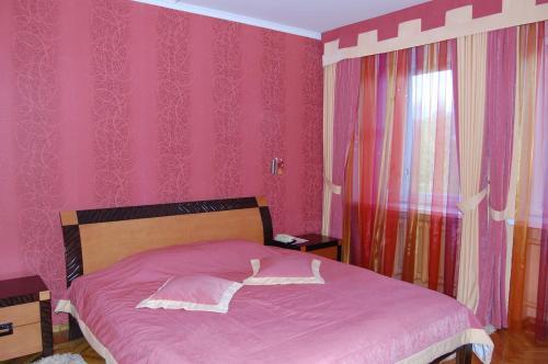Hotel Prydesnyansky, Chernihivs'ka