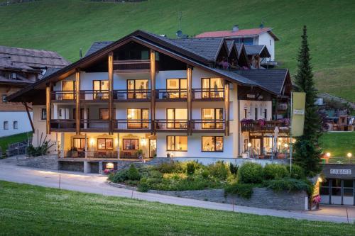 Hotel Alpenfrieden, Bolzano