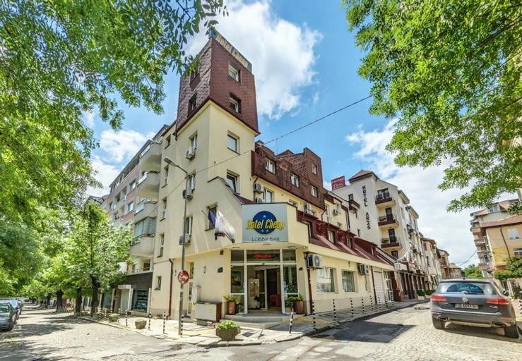 Hotel Cheap, Stolichna