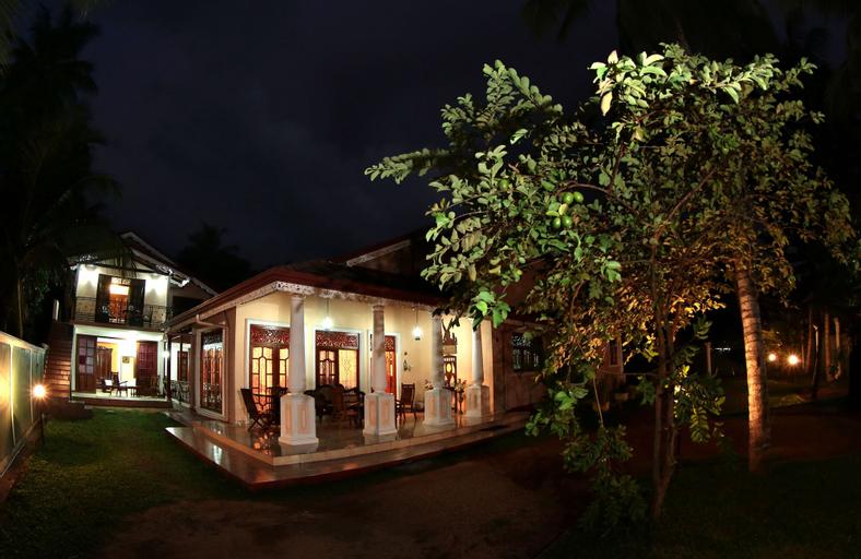 Airport Square Villa, Katana