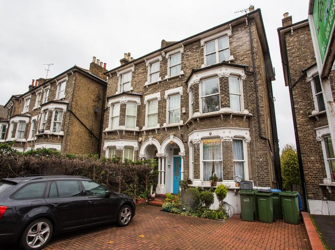 Greenland Villa - Guest house, London