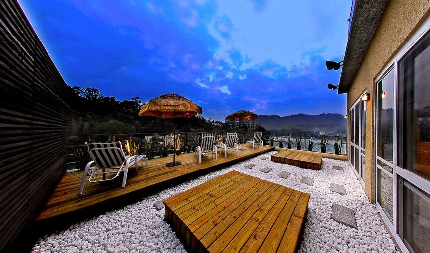 SUN MOON LAKE KARUIZAWA VILLA B&B, Nantou