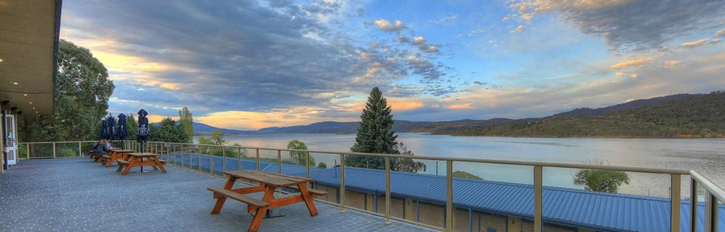 Lake Jindabyne Hotel, Snowy River