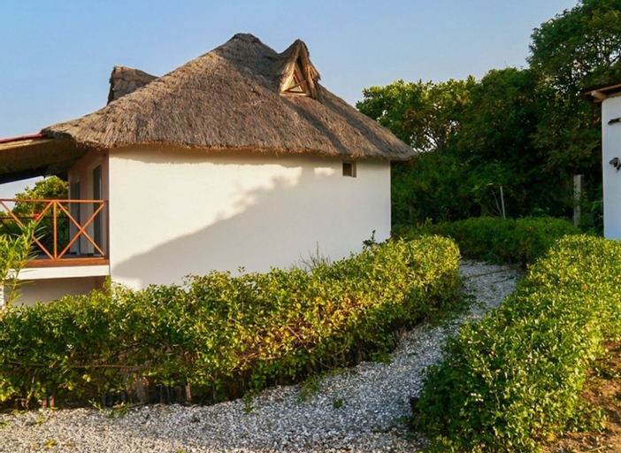 House With 3 Bedrooms in Ziguinchor, With Wonderful sea View and Furni, Oussouye