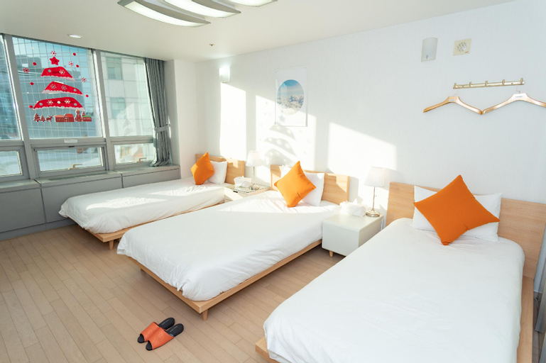 Fly me to the moon Hotel & Capsule (Pet-friendly), Jung