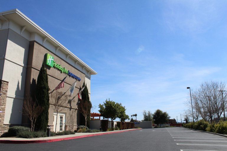 Holiday Inn Express Hotel & Suites Napa Valley-American Canyon (Pet-friendly), Napa